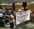Plenari Ajuntament - VillaDesahucio protesta contra desalojos